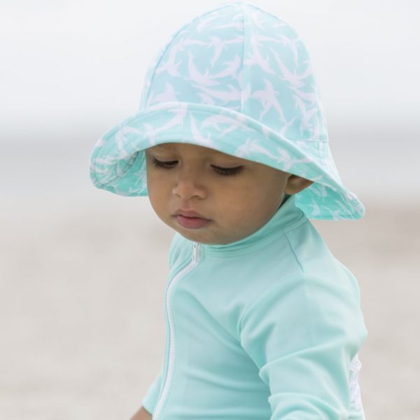 Petit Crabe mint dolphin Frey sun hat for baby boy. UV sun-protective clothing for children.